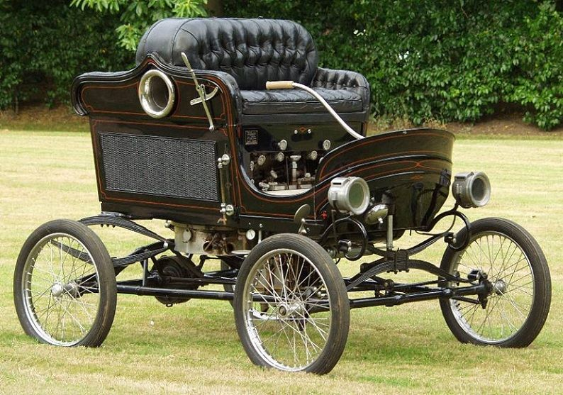 The 1901 Stanley Steamer, representative of the dominant auto technology in the years before Henry Ford standardized the industry.