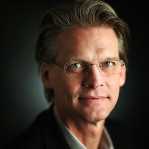 Image of Eric Barnes, author of this novel about environmental collapse