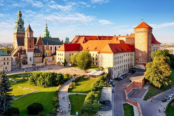 Image of Krakow's Old Town, where this novel about the Polish Jewish resistance is set