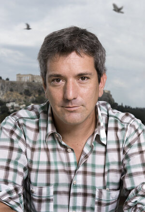 Image of Santiago Roncagliolo, author of this novel about terrorism in the Andes